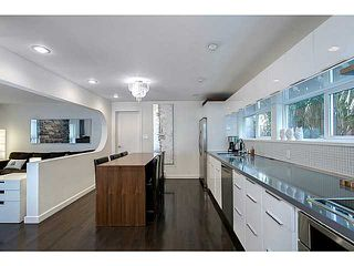 Photo 2: 26 GARDEN Drive in Vancouver: Hastings House 1/2 Duplex for sale (Vancouver East)  : MLS®# V1019374