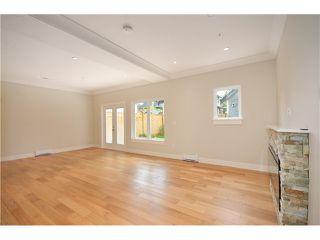 Photo 3: 526 E 10TH AV in Vancouver: Mount Pleasant VE House 1/2 Duplex for sale (Vancouver East)  : MLS®# V1024489