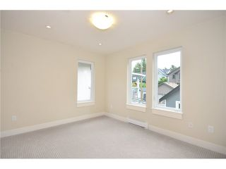 Photo 11: 526 E 10TH AV in Vancouver: Mount Pleasant VE House 1/2 Duplex for sale (Vancouver East)  : MLS®# V1024489