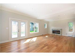 Photo 5: 526 E 10TH AV in Vancouver: Mount Pleasant VE House 1/2 Duplex for sale (Vancouver East)  : MLS®# V1024489