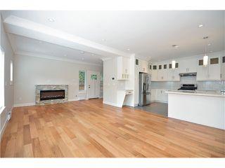 Photo 4: 526 E 10TH AV in Vancouver: Mount Pleasant VE House 1/2 Duplex for sale (Vancouver East)  : MLS®# V1024489