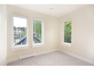 Photo 12: 526 E 10TH AV in Vancouver: Mount Pleasant VE House 1/2 Duplex for sale (Vancouver East)  : MLS®# V1024489