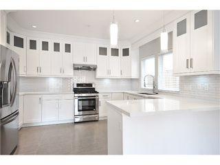 Photo 7: 526 E 10TH AV in Vancouver: Mount Pleasant VE House 1/2 Duplex for sale (Vancouver East)  : MLS®# V1024489