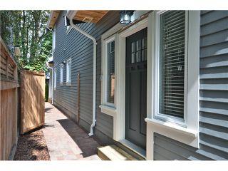 Photo 1: 526 E 10TH AV in Vancouver: Mount Pleasant VE House 1/2 Duplex for sale (Vancouver East)  : MLS®# V1024489