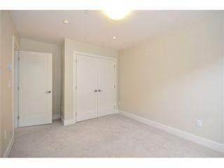 Photo 10: 526 E 10TH AV in Vancouver: Mount Pleasant VE House 1/2 Duplex for sale (Vancouver East)  : MLS®# V1024489