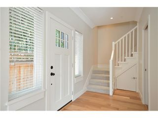 Photo 2: 526 E 10TH AV in Vancouver: Mount Pleasant VE House 1/2 Duplex for sale (Vancouver East)  : MLS®# V1024489