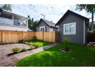 Photo 17: 526 E 10TH AV in Vancouver: Mount Pleasant VE House 1/2 Duplex for sale (Vancouver East)  : MLS®# V1024489