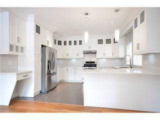 Photo 8: 526 E 10TH AV in Vancouver: Mount Pleasant VE House 1/2 Duplex for sale (Vancouver East)  : MLS®# V1024489