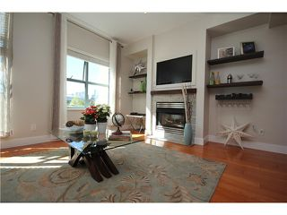 """Photo 2: 8 1182 QUEBEC Street in Vancouver: Mount Pleasant VE Townhouse for sale in """"CITY GATE"""" (Vancouver East)  : MLS®# V1025907"""