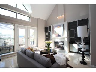 """Photo 11: 8 1182 QUEBEC Street in Vancouver: Mount Pleasant VE Townhouse for sale in """"CITY GATE"""" (Vancouver East)  : MLS®# V1025907"""
