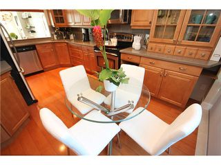 """Photo 5: 8 1182 QUEBEC Street in Vancouver: Mount Pleasant VE Townhouse for sale in """"CITY GATE"""" (Vancouver East)  : MLS®# V1025907"""