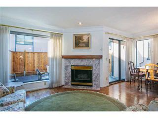 Photo 4: Lonsdale Town House