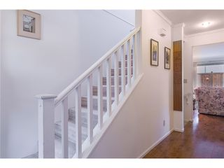 Photo 3: Lonsdale Town House