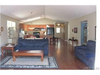 Photo 2: VICTORIA FAMILY HOME FOR SALE = VICTORIA REAL ESTATE SOLD With Ann Watley!