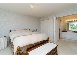 "Photo 12: 11648 HYLAND Drive in Delta: Sunshine Hills Woods House for sale in ""SUNSHINE HILLS"" (N. Delta)  : MLS®# F1417122"