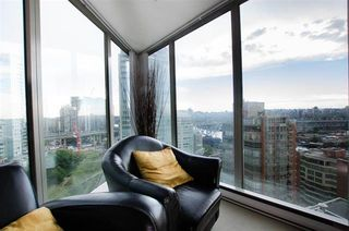 Photo 8: 1701 1000 BEACH AVENUE in Vancouver: Yaletown Condo for sale (Vancouver West)  : MLS®# R2108437