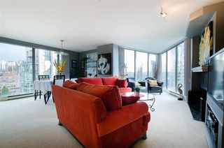 Photo 4: 1701 1000 BEACH AVENUE in Vancouver: Yaletown Condo for sale (Vancouver West)  : MLS®# R2108437
