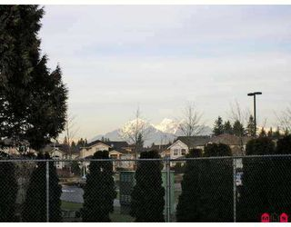 Photo 10: 9086 202B Street in Langley: Walnut Grove House  : MLS®# F2702272