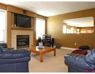 Photo 6: 9086 202B Street in Langley: Walnut Grove House  : MLS®# F2702272