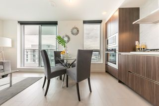 "Photo 4: 2609 455 SW MARINE Drive in Vancouver: Marpole Condo for sale in ""W1-WEST TOWER"" (Vancouver West)  : MLS®# R2388321"