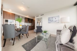 "Photo 3: 2609 455 SW MARINE Drive in Vancouver: Marpole Condo for sale in ""W1-WEST TOWER"" (Vancouver West)  : MLS®# R2388321"