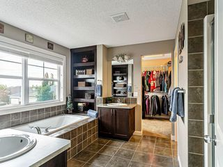 Photo 16: 30 Westfall Drive: Okotoks Detached for sale : MLS®# C4257686