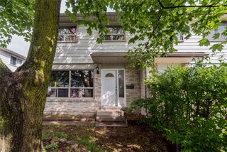 Main Photo: 17 Carberry Crescent in Brampton: Madoc House (2-Storey) for sale : MLS®# W4525440