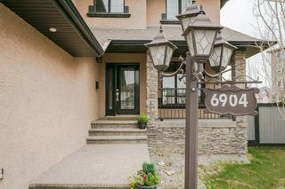 Photo 2: 6904 13 Avenue in Edmonton: Zone 53 House for sale : MLS®# E4168160