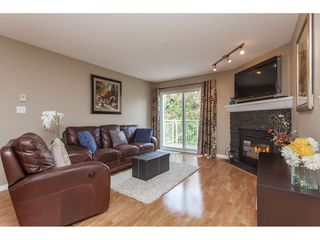 "Photo 2: 405 20189 54 Avenue in Langley: Langley City Condo for sale in ""Catalina Gardens"" : MLS®# R2410661"