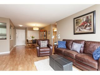 "Photo 5: 405 20189 54 Avenue in Langley: Langley City Condo for sale in ""Catalina Gardens"" : MLS®# R2410661"