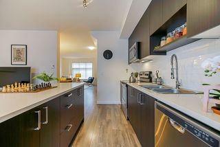Photo 7: 5 10433 158 Street in Surrey: Guildford Townhouse for sale (North Surrey)  : MLS®# R2435479