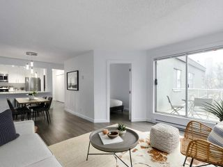 "Photo 5: 303 1550 MARINER WALK in Vancouver: False Creek Condo for sale in ""Mariner Point"" (Vancouver West)  : MLS®# R2441807"