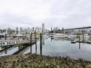 "Photo 20: 303 1550 MARINER WALK in Vancouver: False Creek Condo for sale in ""Mariner Point"" (Vancouver West)  : MLS®# R2441807"
