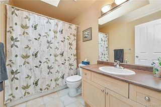 Photo 10: 102 Stoneridge Close in VICTORIA: VR Hospital House for sale (View Royal)  : MLS®# 841008
