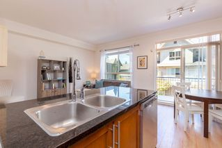 """Photo 5: 140 2738 158 Street in Surrey: Grandview Surrey Townhouse for sale in """"CATHEDRAL GROVE"""" (South Surrey White Rock)  : MLS®# R2470680"""