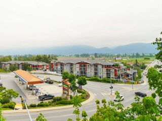 "Photo 2: 406 2242 WHATCOM Road in Abbotsford: Abbotsford East Condo for sale in ""Waterleaf"" : MLS®# R2474178"