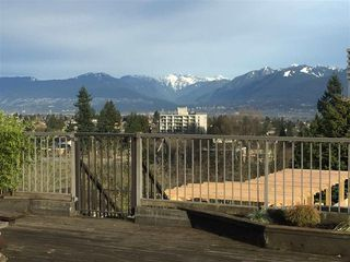 Photo 4: 5932 Patterson Avenue in Burnaby: Metrotown Condo for sale (Burnaby South)  : MLS®# R2038939