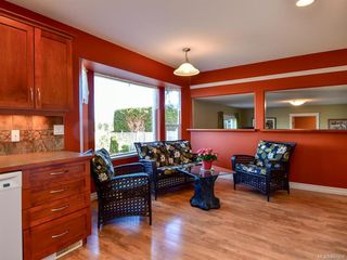 Photo 3: 2101 Varsity Dr in : CR Willow Point House for sale (Campbell River)  : MLS®# 857657