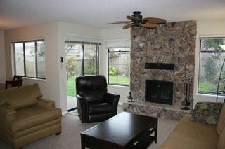 Photo 2: 15076 19A Avenue in Southmere: Home for sale : MLS®# F1109436