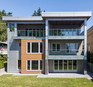 Photo 2: 14093 MARINE Drive: White Rock House for sale (South Surrey White Rock)  : MLS®# R2517967