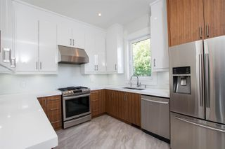 Photo 13: 14093 MARINE Drive: White Rock House for sale (South Surrey White Rock)  : MLS®# R2517967