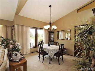Photo 6: 8092 Mahon Pl in SAANICHTON: CS Saanichton Single Family Detached for sale (Central Saanich)  : MLS®# 649318