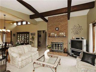 Photo 3: 8092 Mahon Pl in SAANICHTON: CS Saanichton Single Family Detached for sale (Central Saanich)  : MLS®# 649318