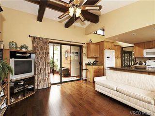 Photo 9: 8092 Mahon Pl in SAANICHTON: CS Saanichton Single Family Detached for sale (Central Saanich)  : MLS®# 649318