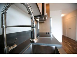 """Photo 5: 611 250 E 6TH Avenue in Vancouver: Mount Pleasant VE Condo for sale in """"THE DISTRICT"""" (Vancouver East)  : MLS®# V1025038"""