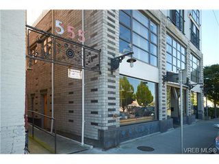 Photo 2: 405 555 Chatham St in VICTORIA: Vi Downtown Condo Apartment for sale (Victoria)  : MLS®# 677342