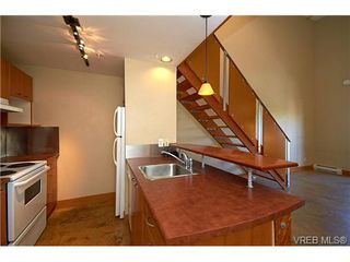 Photo 6: 405 555 Chatham St in VICTORIA: Vi Downtown Condo Apartment for sale (Victoria)  : MLS®# 677342