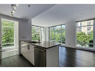Photo 2: # 306 988 RICHARDS ST in Vancouver: Yaletown Condo for sale (Vancouver West)  : MLS®# V1128776