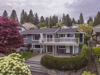 Photo 1: 1386 LAWSON AVE in West Vancouver: Ambleside House for sale : MLS®# R2057187