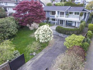 Photo 2: 1386 LAWSON AVE in West Vancouver: Ambleside House for sale : MLS®# R2057187
